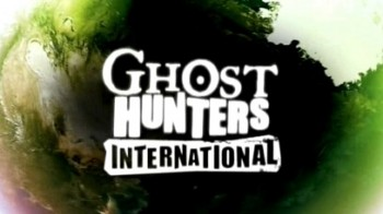 По следам призраков: 3 сезон 11 серия. Школа призраков: Американское Самоа / Ghost Hunters International (2012)